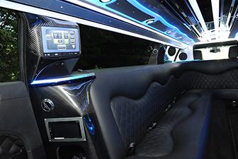 White Chrysler 300 Stretch Limousine Interior 6-8 Photo 2