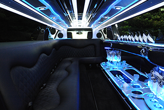 White Chrysler 300 Stretch Limousine 6-8 Interior Photo 3