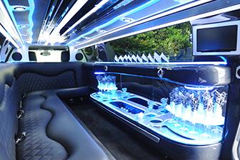 White Chrysler 300 Stretch Limousine Interior 6-8 Photo 4
